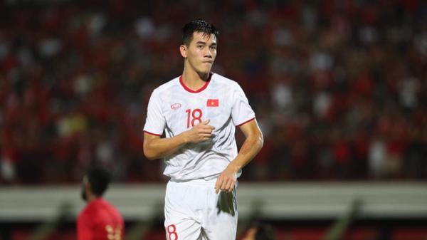 HLV Park Hang-seo công bố danh sách đấu Thái Lan: Việt Phong có tên, Tiến Linh vắng mặt