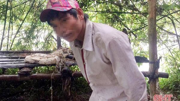 """Bàn giao thanh niên bị mất tích gần 2 năm, """"dạt"""" từ Hòa Bình vào Hà Tĩnh"""