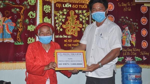 Cụ bà 90 tuổi xin ra khỏi hộ nghèo, ủng hộ 2 triệu đồng chống dịch