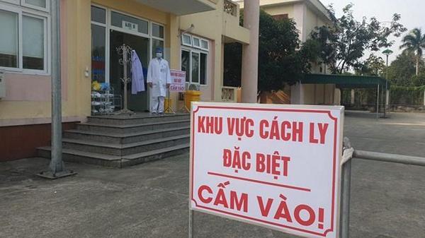 Thanh Hà lấy mẫu xét nghiệm 1 người từ huyện Mê Linh về