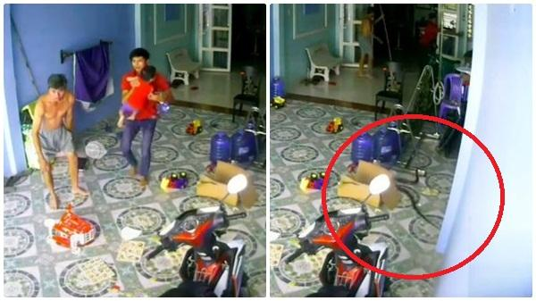 """2 người đàn ông bế thốc đứa trẻ chạy vào nhà, đóng chặt cửa, cảnh tượng sau đó vài giây khiến tất cả """"lạnh gáy"""""""