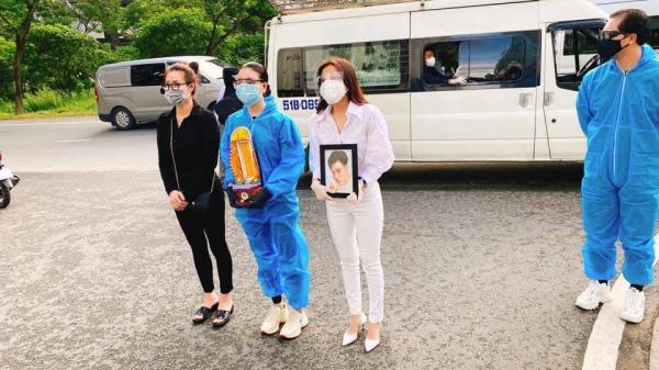 Lễ hoả táng cố diễn viên Đức Long: Kiều Minh Tuấn xót xa nói lời vĩnh biệt, Cao Thái Hà lặng người bên di ảnh bạn thân