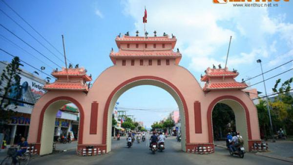 Kiên Giang: Cận cảnh cổng tam quan độc đáo nhất Việt Nam