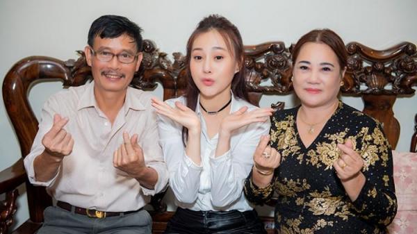 """Đây là cách người đẹp Hà Nam Phương Oanh đối phó với câu hỏi Tết này """"bao giờ cưới?"""""""