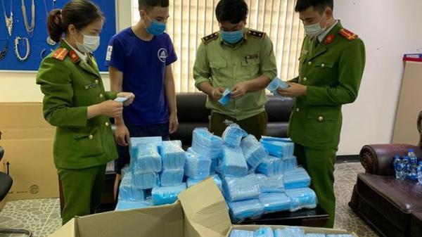 Hà Nam: Tịch thu 13.500 chiếc khẩu trang không nhãn mác