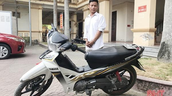 Hà Tĩnh: Đi qua nhà hàng xóm, tiện tay... dắt trộm xe máy !