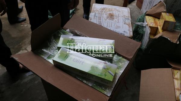 Quảng Trị: Bỏ chạy để lại 7.500 bao thuốc lá lậu
