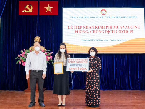 Công ty CP Bảo trợ Tập đoàn Vạn Thịnh Phát ủng hộ 1.450 tỷ phòng chống dịch Covid-19.
