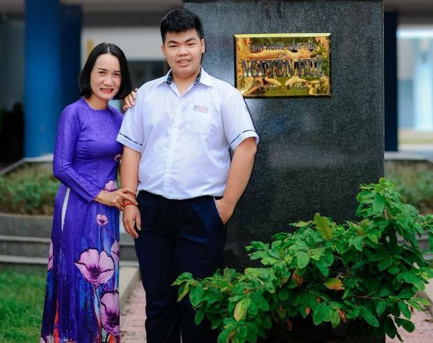Tổng điểm của Quang Huy trong kỳ thi này là 27,2 điểm khối D với 10 điểm Ngữ văn - 9,2 điểm Tiếng Anh - 8 điểm Toán.