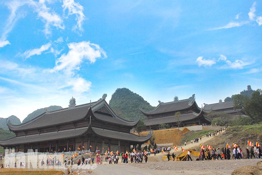 Năm 2019 một lượng lớn du khách đến Hà Nam để tham quan Khu du lịch Tam Chúc. Ảnh: Đỗ Hồng