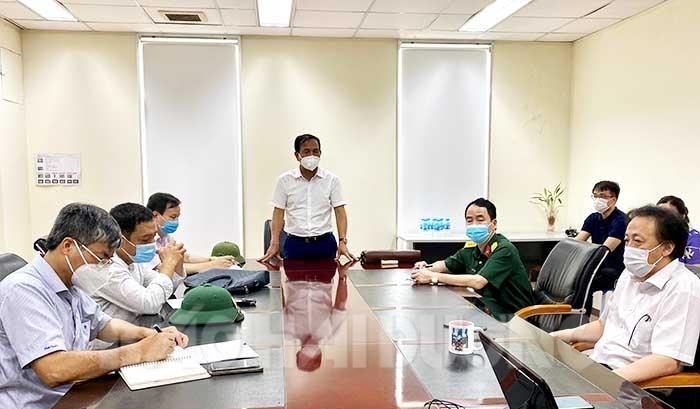 Đồng chí Lưu Văn Bản, Phó Chủ tịch UBND tỉnh yêu cầu khi hoạt động trở lại, doanh nghiệp phải chấp hành nghiêm ngặt các quy định phòng chống dịch