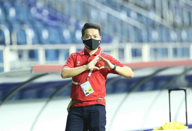 Trần Phúc Nghĩa - phóng viên thể thao tác nghiệp tại UAE